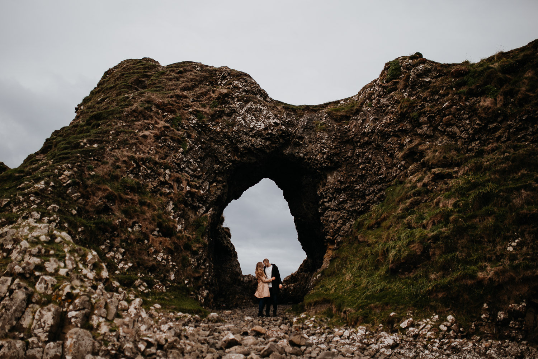 rocks, coastal line, küste nordirland, nordirland, northern ireland wedding photographer, berlin wedding photographer, ireland wedding photographer, ballintoy harbour, giants causeway, antrim, county antrim
